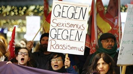 Manifestación contra el abuso sexual producido en Colonia durante la celebración del Año Nuevo
