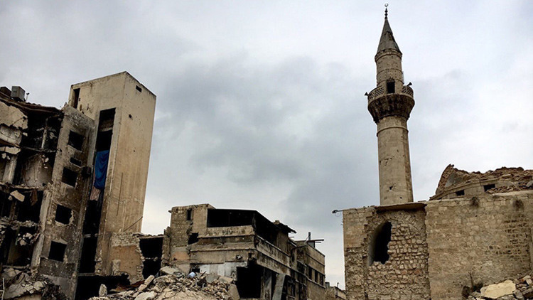 """Siria: """"Turquía quiere irrumpir en el conflicto sirio para salvar el Estado Islámico"""""""