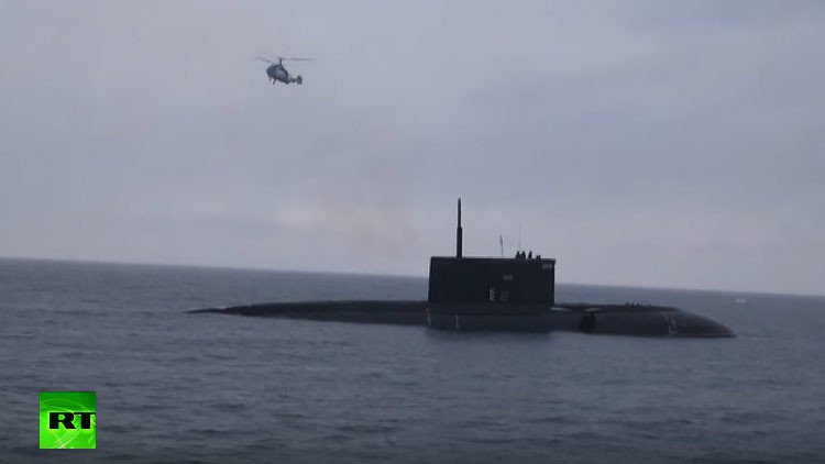 La Armada rusa rescata un 'agujero negro' en Crimea (Video)