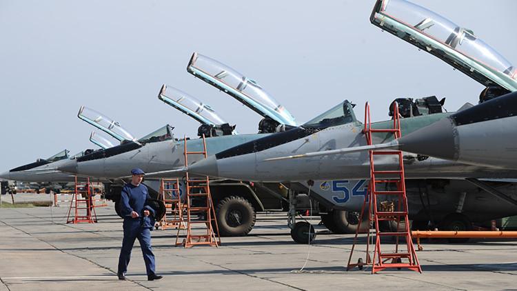 Rusia despliega cazabombarderos adicionales en su base en la frontera con Turquía