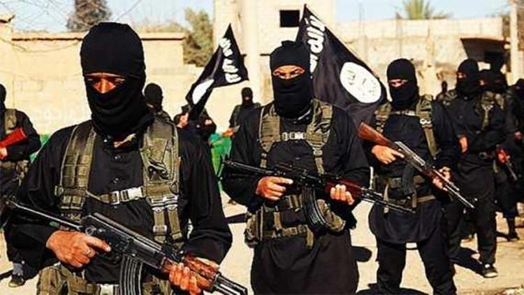 Video: misil antitanque convierte un coche bomba yihadista en una 'bola de fuego'