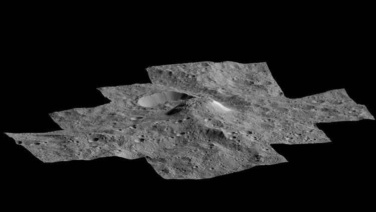 Vista en 3D de una extraña 'piramide' brillante de Ceres de origen desconocido