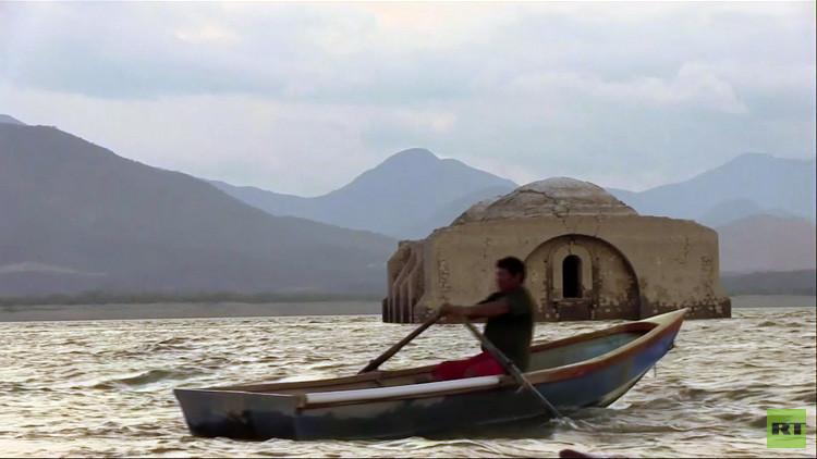 Video: Un templo del siglo XVI resurge entre las aguas en México