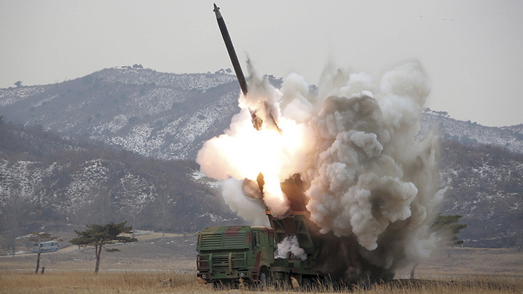 "Corea del Norte amenaza a Seúl con ""ataques preventivos"" para ""liberar"" la península"