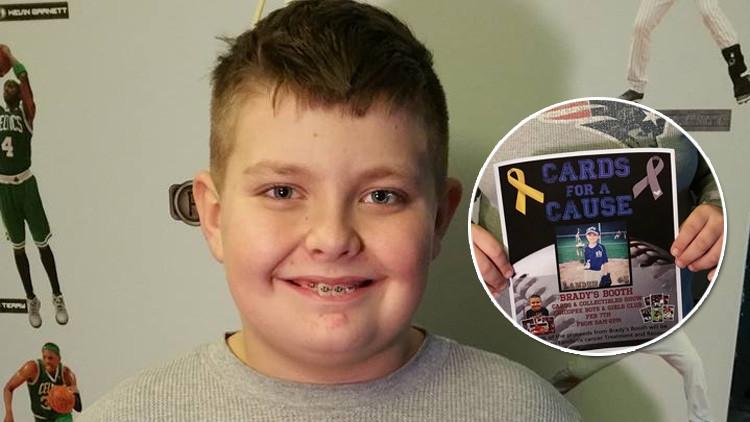 Un niño de EE.UU. vende su colección de cromos para salvar la vida de un amigo