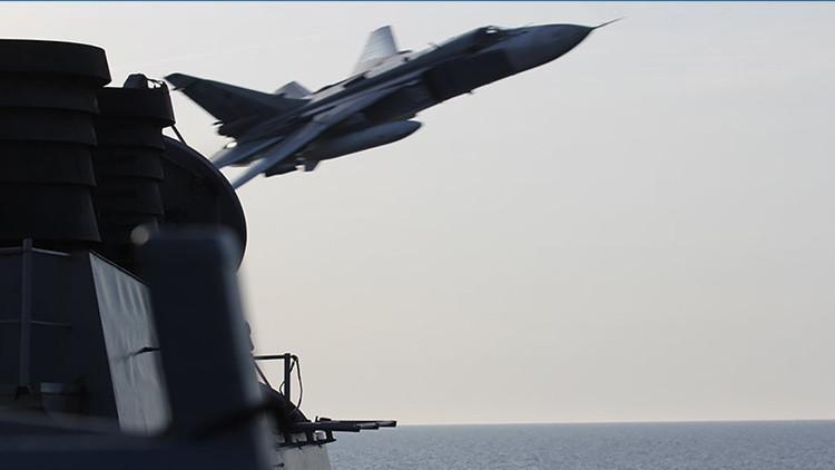 Moscú se pronuncia sobre el Su-24 ruso que 'asustó' a un destructor de EE.UU.