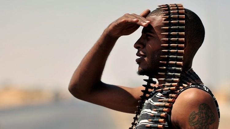 """¿Ayuda forzosa? La OTAN ofrece a Libia """"desarmar"""" a los grupos militantes"""
