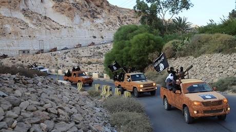 Caravana del EI en la ciudad libia de Derna