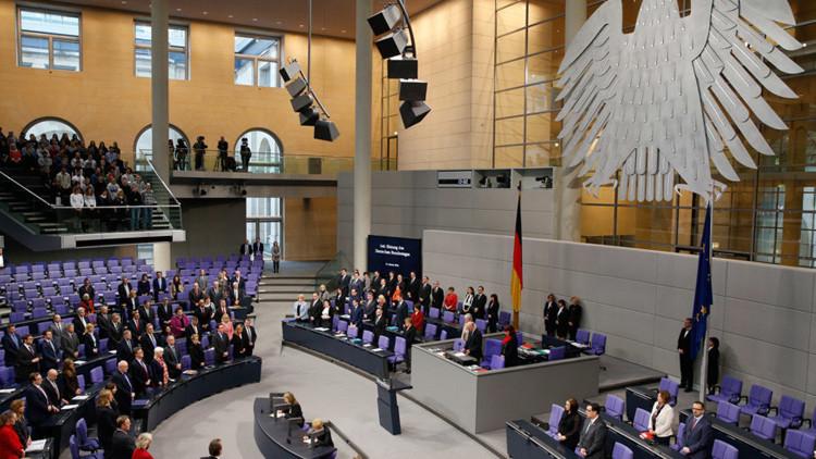 Desconcierto en el Bundestag: Un diputado alemán recita el polémico poema sobre Erdogan