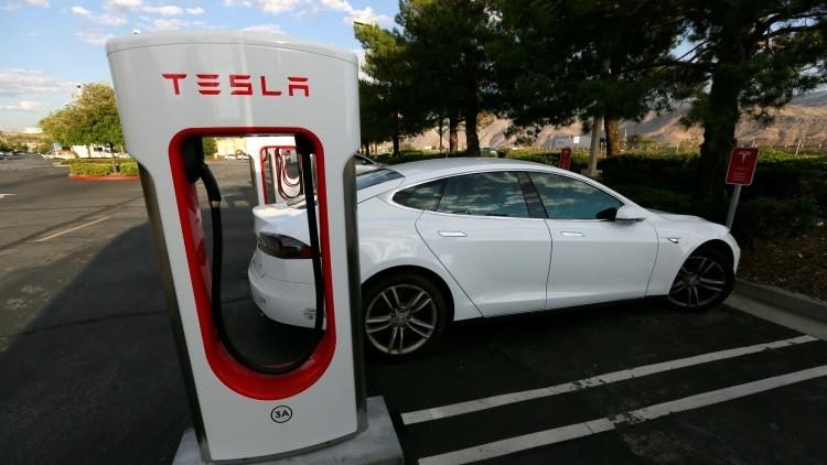 Tesla puede verse obligada a cambiar el sistema eléctrico en su novedoso vehículo