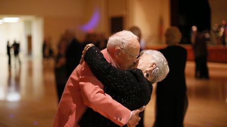 Uno de los factores más importantes que influye la vida larga y sana es amor