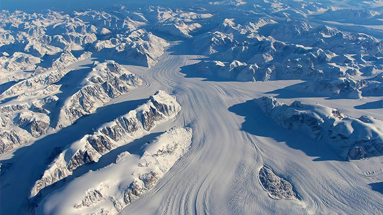 Hallan una antigua cuenca fluvial bajo el glaciar más rápido de Groenlandia