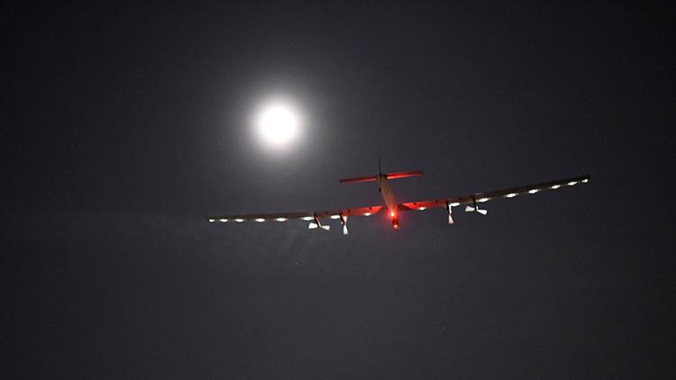 El Solar Impulse 2 despega para cruzar el Atlántico