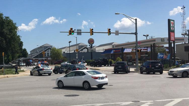 EE.UU.: Un hombre armado toma rehenes en un Burger King en Baltimore