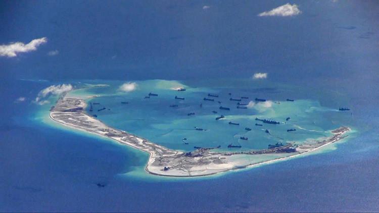 China blande su nuevo arsenal de combate tras el fallo de La Haya