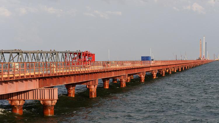 Recorra el puente de Crimea en 60 segundos: aparece un nuevo video de la megaestructura en la Red