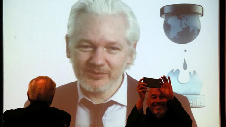 """Assange promete sorprender a los votantes de EE.UU. con """"mucho más"""" material antes de las elecciones"""