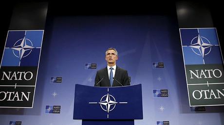 El secretario general de la OTAN, Jens Stoltenberg, interviene después de una reunión del Consejo del Atlántico Norte en la sede de la Alianza, Bruselas, Bélgica, 24 de noviembre de 2015.
