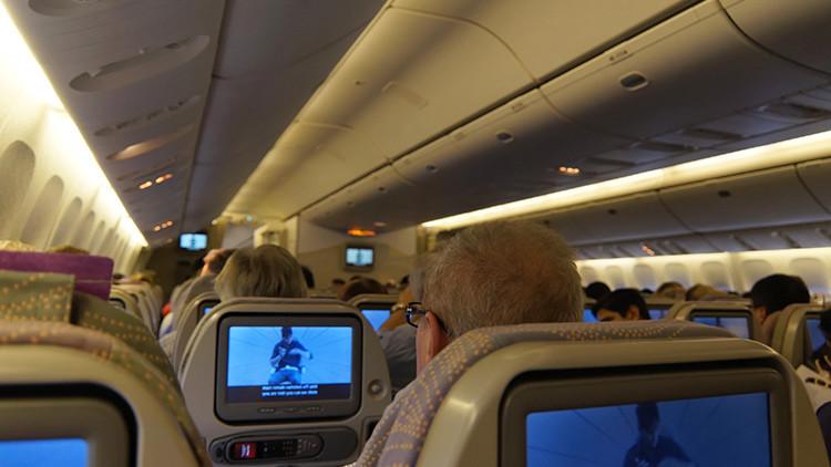 ¿Qué pasa si un pasajero muere a bordo de un avión?