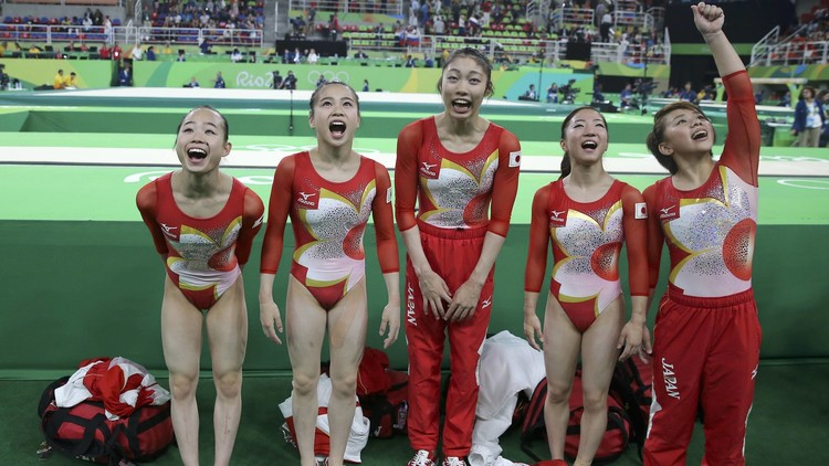 "Un comentarista francés llama ""Pikachu"" al equipo japonés de gimnasia artística (Vídeo)"