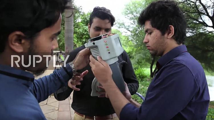 VIDEO: Crean un aparato que convierte el aire en agua