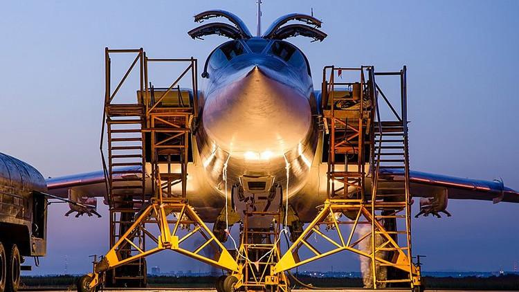 """Los aviones rusos en Irán han """"avergonzado públicamente a Obama"""""""