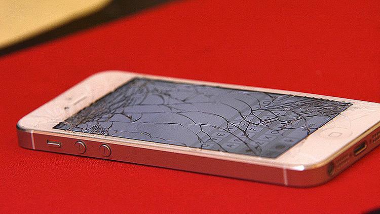 La 'enfermedad táctil' que desarma los móviles: Es muy probable que su iPhone 6 también muera