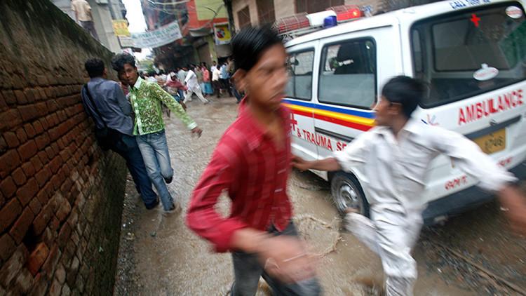 India: Un hombre intenta suicidarse y mata a una mujer tras caer desde una terraza