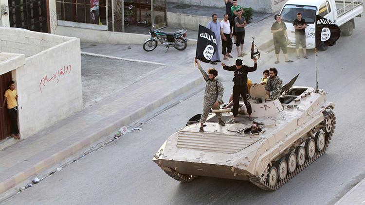 El Estado Islámico crucifica a tres personas en la ciudad siria de Raqa
