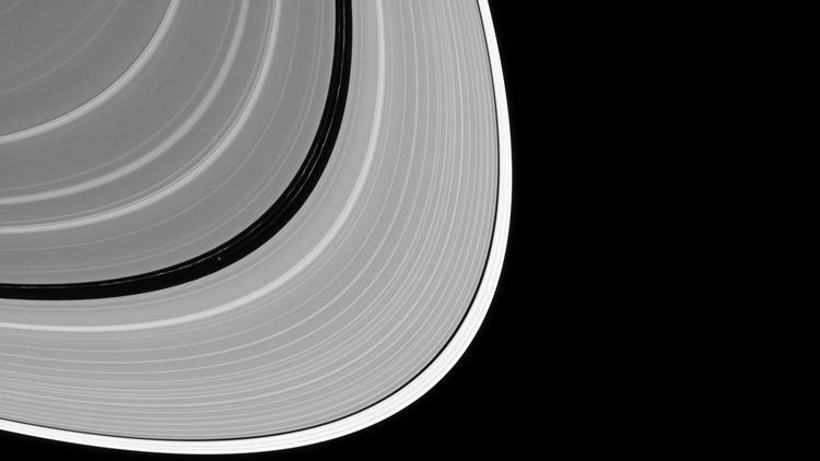 La NASA reta a los internautas a encontrar uno de los satélites de Saturno