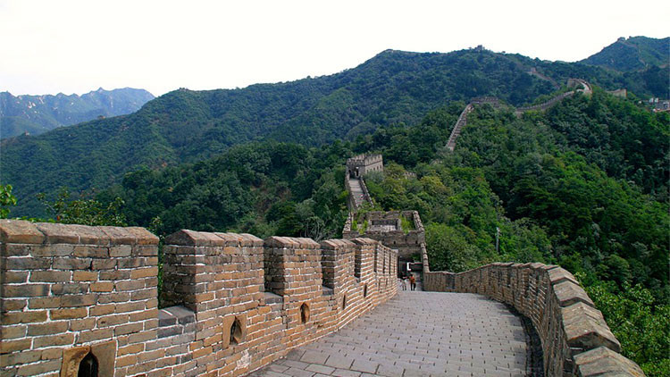 VIDEO: Durante la restauración de la Gran Muralla china pasó algo imprevisto... y feo