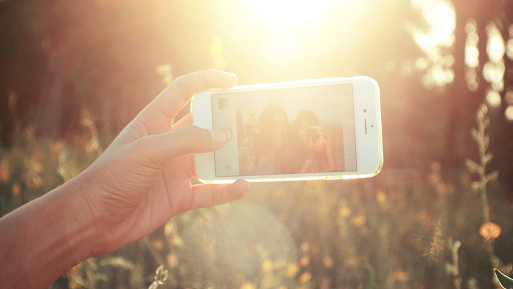 Esto es lo que pasa si nos hacemos selfis a diario