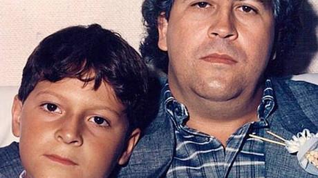 Pablo Escobar y Su Hijo Juan Pablo
