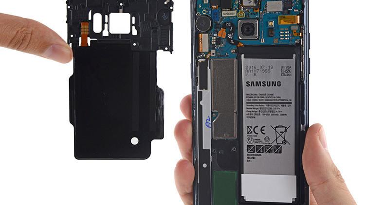 Un celular Samsung Galaxy explota a bordo y provoca la evacuación de un vuelo en EE.UU.
