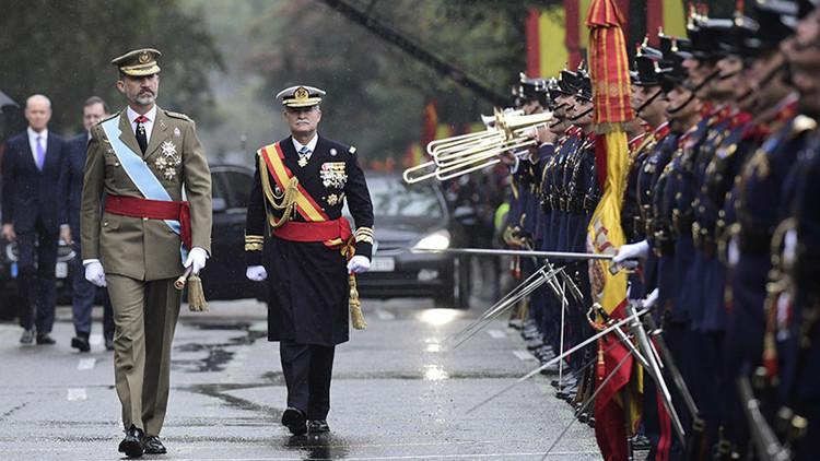 Video: España celebra el Día de la Fiesta Nacional, en medio de la polémica