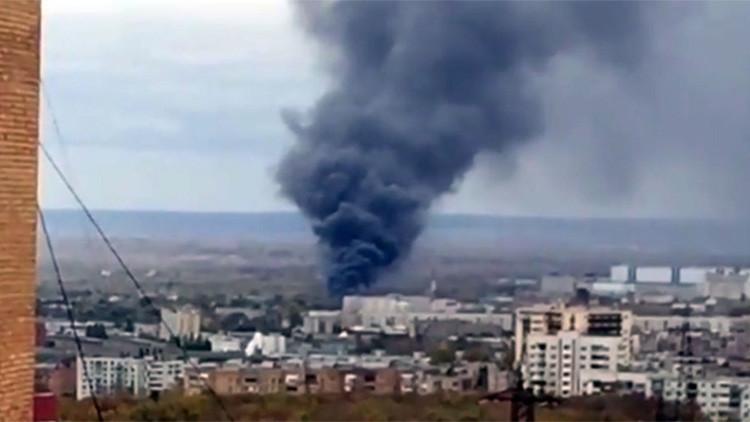 Arde un almacén de una fábrica rusa de cohetes