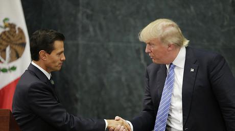 El presidente de México, Enrique Peña Nieto, en un encuentro con el candidato republicano a la presidencia de EE.UU., Donald Trump