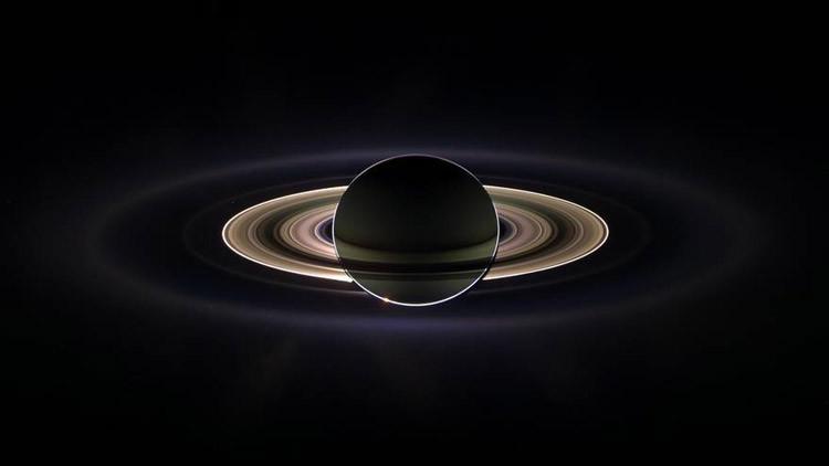Revelan la inesperada edad de los anillos de Saturno
