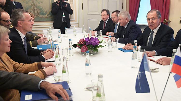 """""""Hay espacio para el diálogo... desde la postura de la fuerza"""": la reunión de Lavrov y Stoltenberg"""