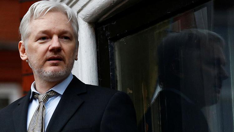 """Assange asegura que Wikileaks """"no responderá a las presiones"""" de Ecuador"""