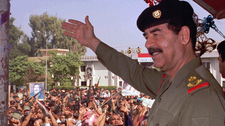 """""""Tienen miedo a contratarme"""": El Saddam Hussein indio intenta cambiar su identidad"""