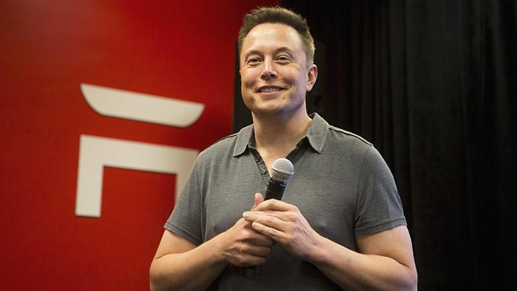 Elon Musk desarrolla una tecnología que permitirá conectar el cerebro a dispositivos electrónicos
