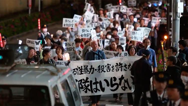 Japón protesta contra la presencia militar de EE.UU. tras el asesinato de una joven (VIDEO)