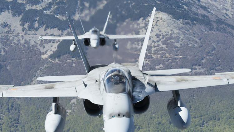 Dos cazas F-18 españoles interceptan un bombardero táctico ruso en el Báltico