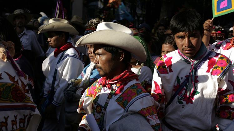 """Asesinan en México a líder indígena de los Wixárrika, """"guardianes del peyote"""""""