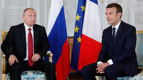 El presidente de Rusia, Vladímir Putin, y su homólogo francés, Emmanuel Macron. El 29 de mayo de 2017.