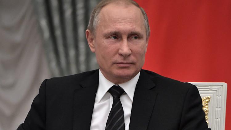 Putin cuenta cómo decidió ser agente de inteligencia