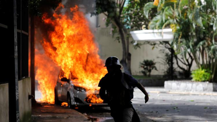 Ministro de Interior confirma muerte de joven durante asedio a base militar en Caracas