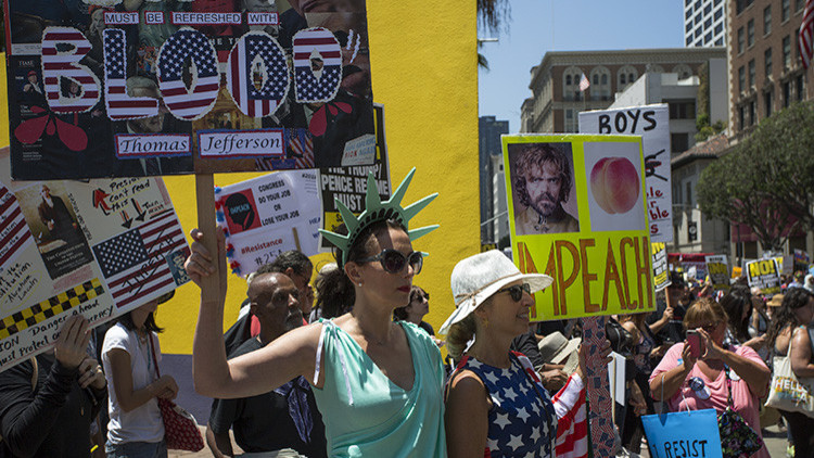 """""""No es mi presidente"""": manifestaciones en EE.UU. para pedir el 'impeachment' a Trump"""