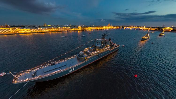 Publican fotos en 360° del desfile de la Armada de Rusia en San Petersburgo